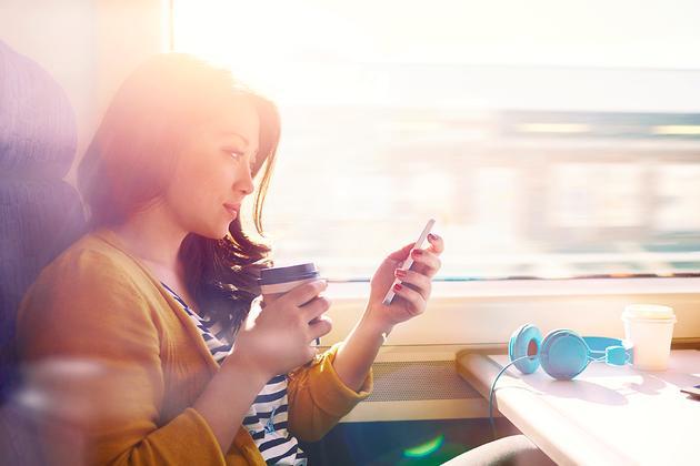 吸收环境光就能给手机充电 这款电池会成功吗?