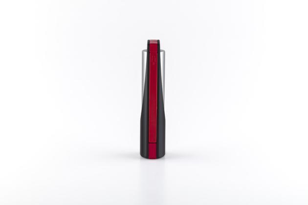 特斯拉推出充电宝 终于能买得起特斯拉的产品了夜叉鸦