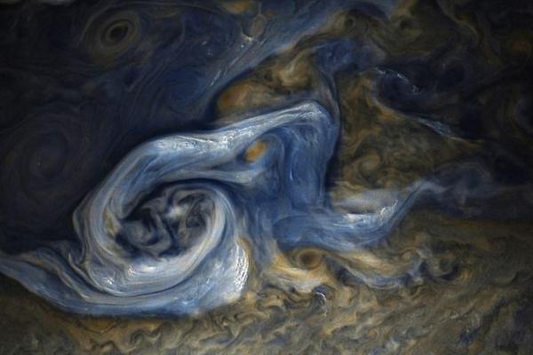 朱诺号拍如同油画的木星表面:揭示宽达13公里的巨大风暴