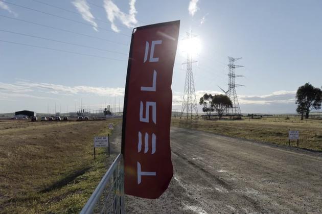 特斯拉在南澳大利亚建成全球最大锂电池 100天内启用