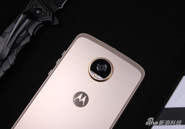 moto z2 Play模块化手机