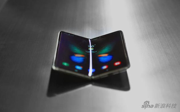 """注意不是""""塑料屏幕"""",而是super AMOLED上从盖玻璃改成了PI材料"""