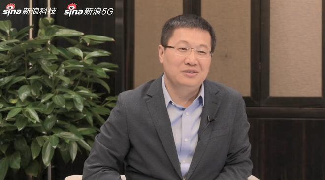 小米卢伟冰:推动5G手机价格亲民化 明年底销量将超4G