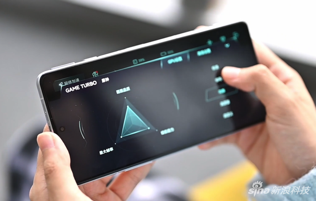 Redmi K40 游戏增强版上手:天玑1200坐镇 打游戏妥吗?