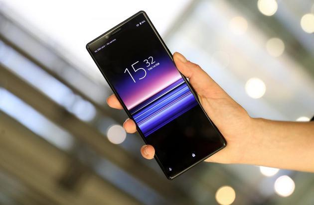 """索尼Xperia 1""""带鱼屏""""手机"""