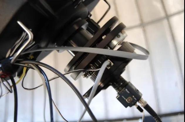 用于月面撞击闪光监测的望远镜以及终端,包括调焦器、缩焦镜、摄像机等。