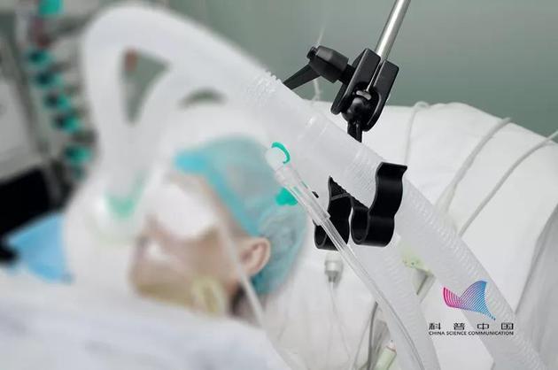 宝龙娱乐客服电话 揭批区诺轩:反中媚日无诚信 乱港暴徒保护伞