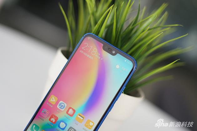 nova 3e的刘海只有iPhone X的一半左右