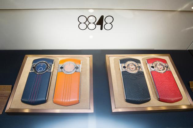 8848手机再次参展巴塞尔表展 主打科技奢侈品定位人性本色玫瑰情人