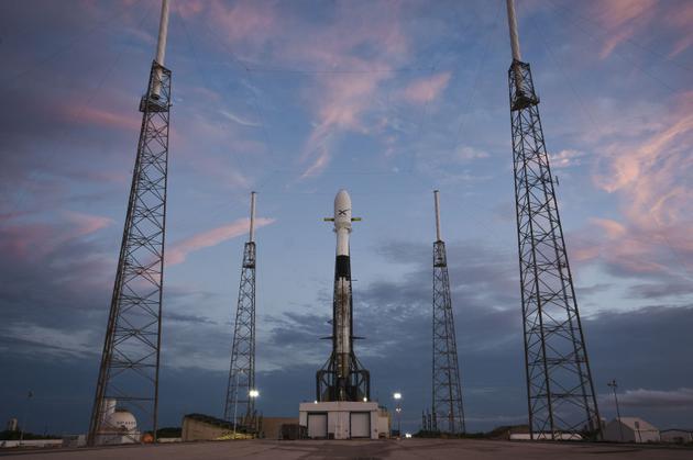 SpaceX部署卫星群网络,有望明年底为美国南部提供高速互联网服务