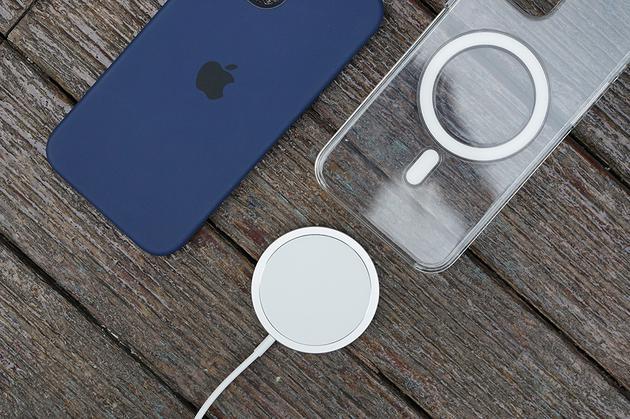 《【多彩联盟电脑版登录】iPhone 12/12 Pro评测:重回巅峰设计 还有你要的5G》