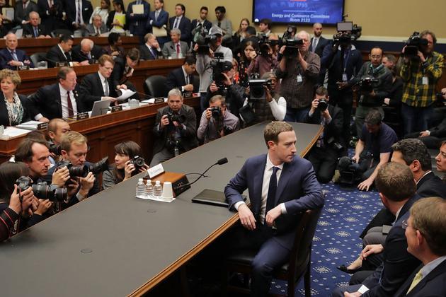 Facebook CEO扎克伯格