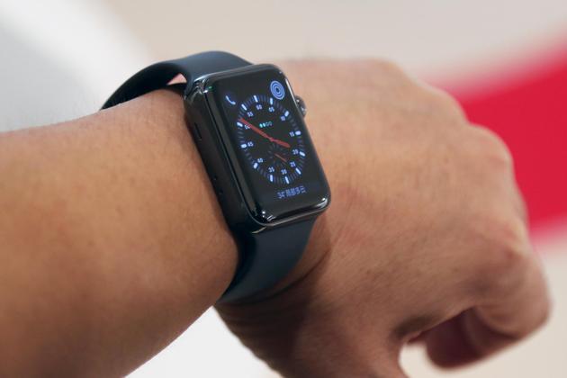 带蜂窝数据功能的Apple Watch