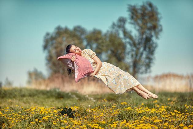 在清醒和睡眠之间,很容易想象我们的意识可能不是连续的。