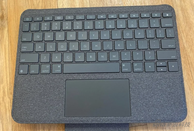 《【星图测速注册】罗技Folio Touch上手:价格只有妙控键盘一半 但优缺点都很明显》