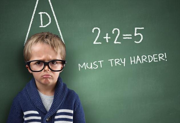 """年轻人的智商正以""""令人忧虑""""的趋势逐渐下降。平均每代人的智力测试得分下降7分。"""