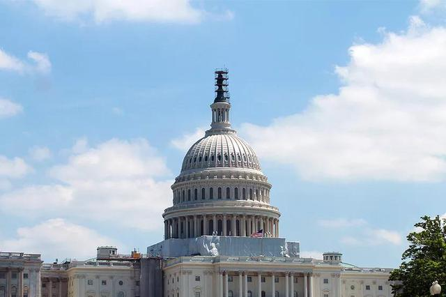 FB听证会后:参议员推出新法案 规范在线数据使用