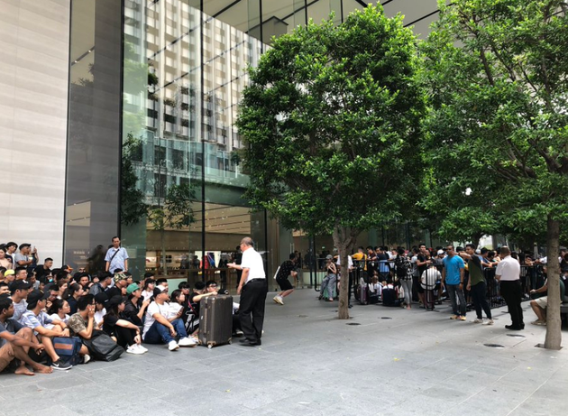 新加坡蘋果專賣店門外