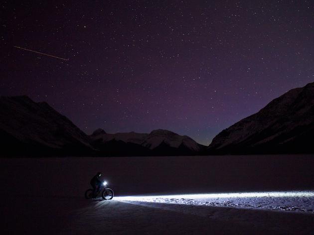 骑自行车到月球需要多长时间?24小时不停仅需267天