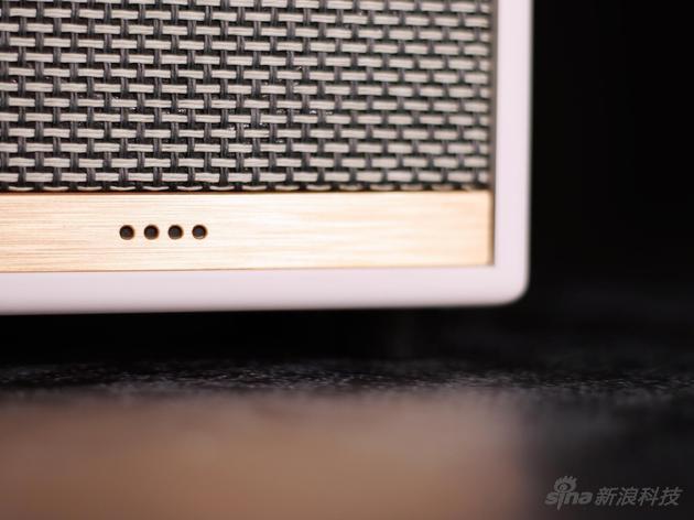 正面四颗led,显示音量或语音回馈