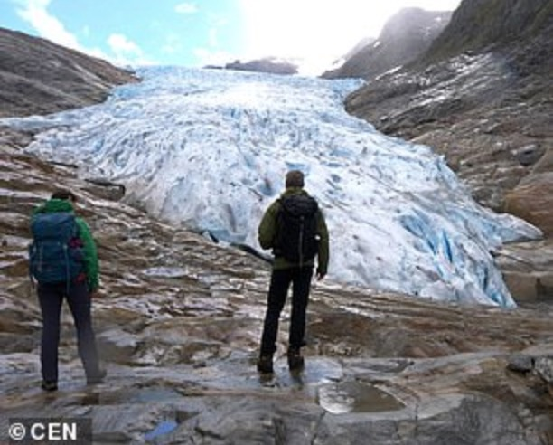 全球各地的冰川正出现持续的消融