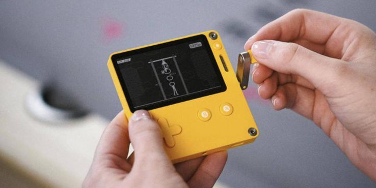 这款带摇把的掌机不能用爱发电 但可让游戏时间倒流