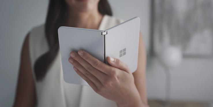 微软Surface老大Panos Panay再晒Surface Duo真机