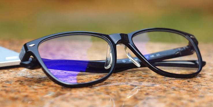 中消协:防蓝光眼镜问题多 选择不当有害无益