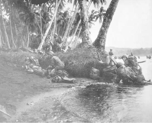 美军在南太平洋的伦多瓦岛登陆