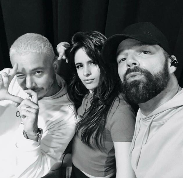 格莱美表演者J Balvin,卡米拉·卡贝洛(Camila Cabello)和瑞奇·马丁(Ricky Martin)
