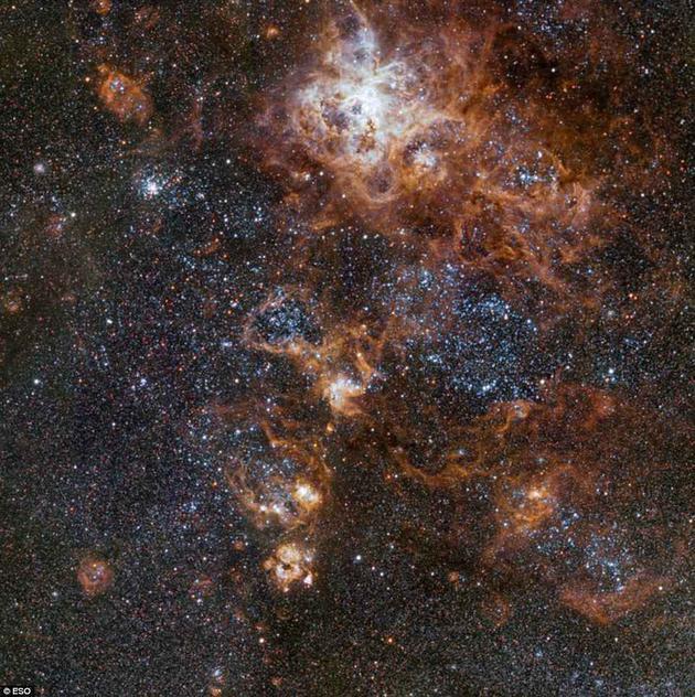 新图像揭示16万光年外的宇宙景观
