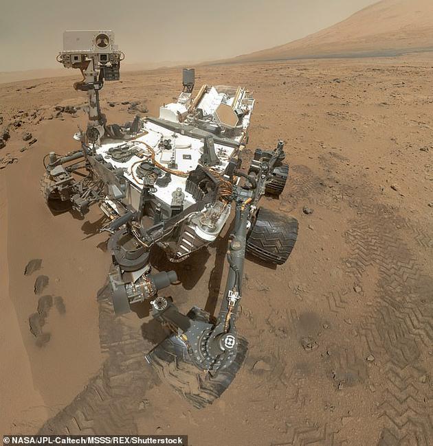 图为NASA于2012年开展的火星探索任务。泰森指出,假如俄罗斯当时努力开展火星探索,到了上世纪80年代,火星上可能已经建立起聚居地了。