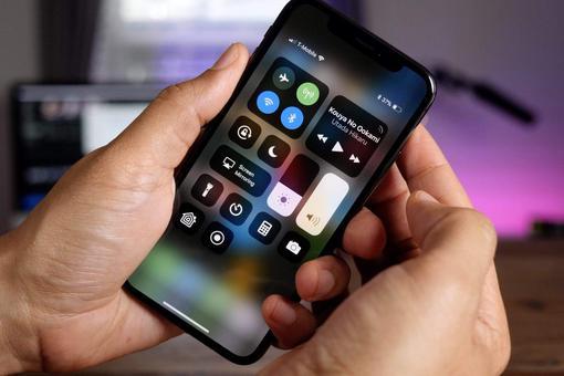 美银下调苹果股票评级至中性 称5G iPhone存风险