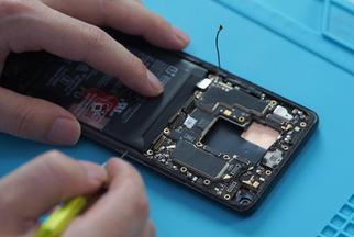 一加8 Pro拆机:屏幕机皇 内外兼修