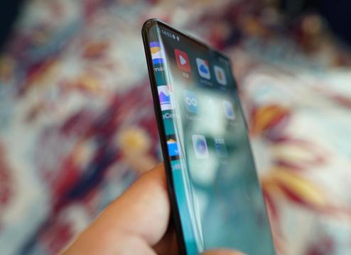 瀑布屏手机到底好不好用?