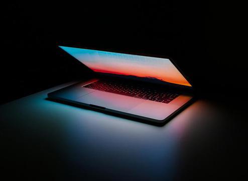 16寸MacBook Pro可能直接上市