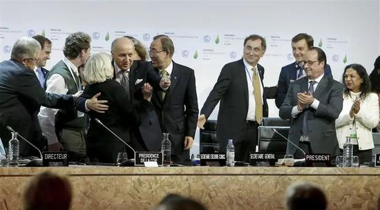 2015年12月12日,巴黎气候变化大会通过《巴黎气候协定》
