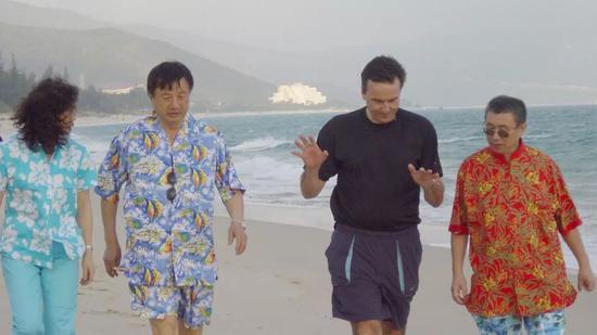 海南亚龙湾,2003年12月,图片来源: FT