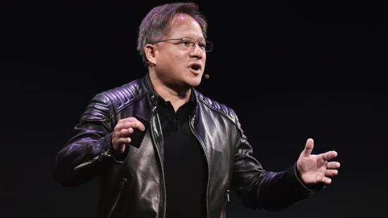 英伟达宣布将推出服务器芯片后收涨5% 英特尔股价下跌4%