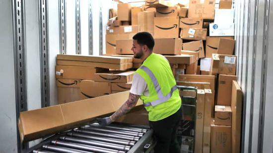 亚马逊将为50多万名员工加薪 时薪上涨50美分至3美元不等