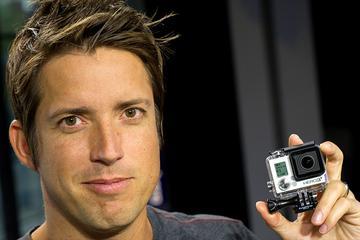 从年薪全美最高到1美元,他如何玩坏GoPro?