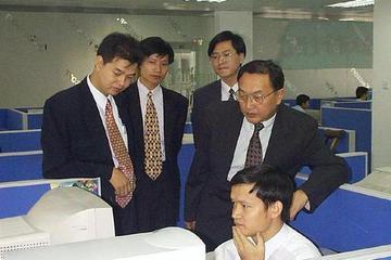 中国企业家蜕变史:从便利大众生活到改变全民思维