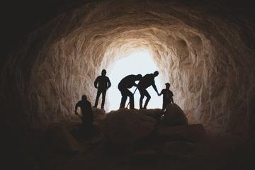 比咪蒙更可怕的,是挖祖坟式举报清算