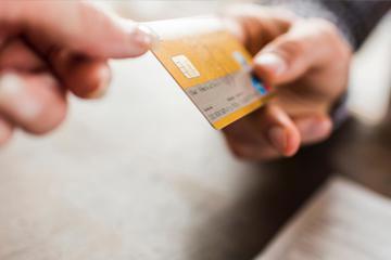 月入3000,信用卡欠了10万怎么办?