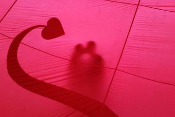 """爱情银行里的""""爱情买卖"""""""