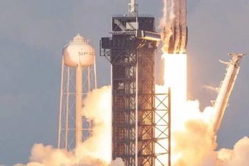 SpaceX三枚一级火箭全回收