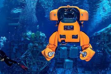 """前NASA工程师发明""""水下变形金刚"""""""