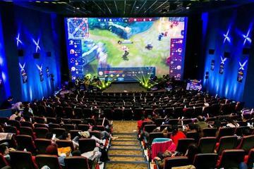 大银幕上搞直播,能帮电影院过冬吗?