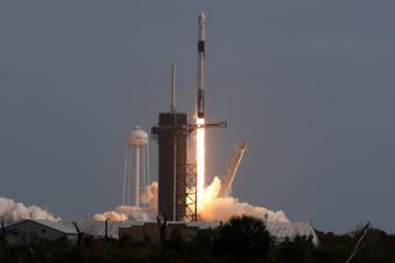 马斯克创新壮举!空中炸毁火箭 成功实现载人舱逃逸