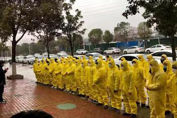 """武汉""""危情""""17天:6000网约车司机穿越生死线"""